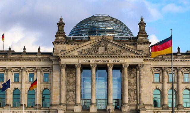 Noch nicht einmal der Bundestag ist vor Vandalismus sicher