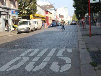 Hamburg: Mit gezogener Pistole im Bus